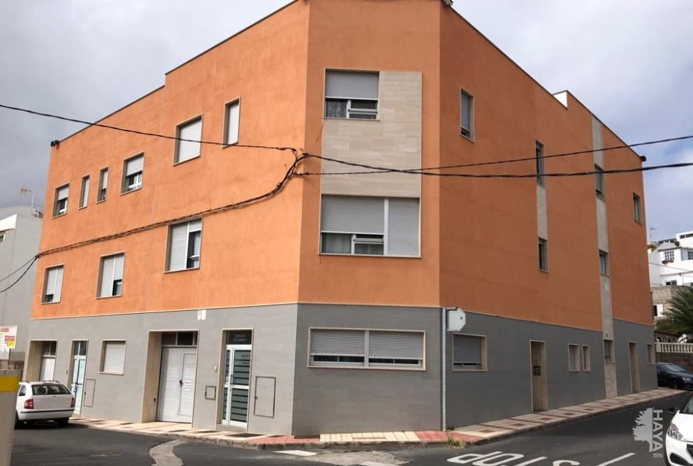Piso en venta en Los Giles, la Palmas de Gran Canaria, Las Palmas, Calle Rosa de Jericó, 119.000 €, 1 baño, 113 m2