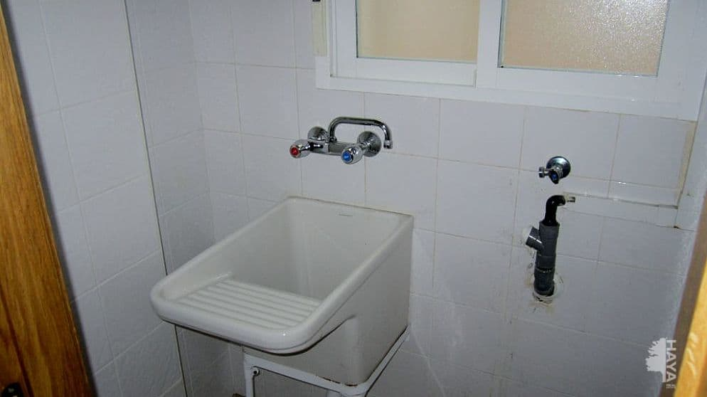 Piso en venta en Piso en Benicarló, Castellón, 77.000 €, 2 habitaciones, 1 baño, 70 m2