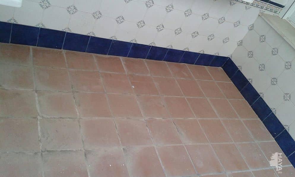 Piso en venta en Las Vegas, Lucena, Córdoba, Calle General Alaminos, 63.000 €, 3 habitaciones, 1 baño, 131 m2