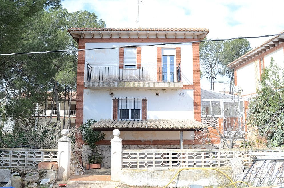 Piso en venta en Urb. San José, Requena, Valencia, Calle Diseminados, 124.000 €, 1 baño, 176 m2