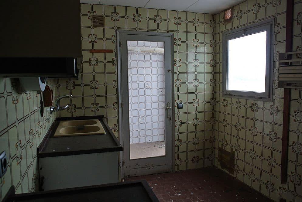 Piso en venta en Vilatenim, Figueres, Girona, Calle Taure, 71.759 €, 5 habitaciones, 1 baño, 142 m2