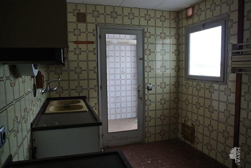 Piso en venta en Figueres, Girona, Calle Taure, 105.999 €, 5 habitaciones, 1 baño, 142 m2