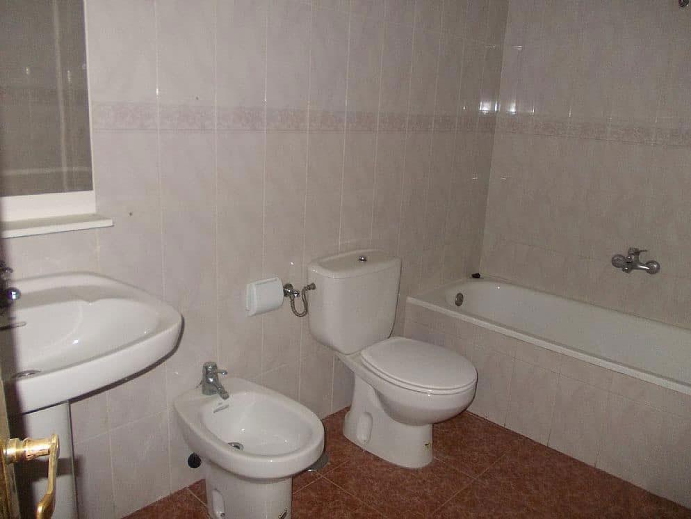 Piso en venta en Piso en Cabra del Santo Cristo, Jaén, 48.800 €, 3 habitaciones, 4 baños, 113 m2