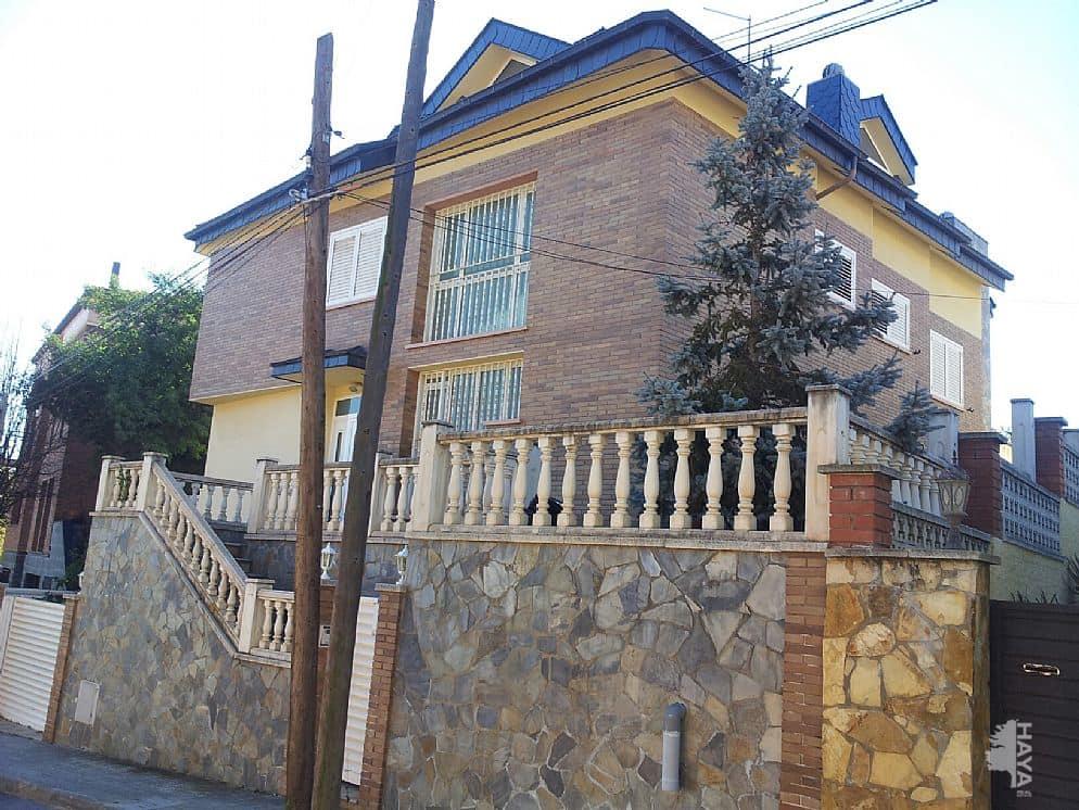 Casa en venta en Sant Boi de Llobregat, españa, Calle Eucaliptus, 788.100 €, 5 habitaciones, 4 baños, 500 m2