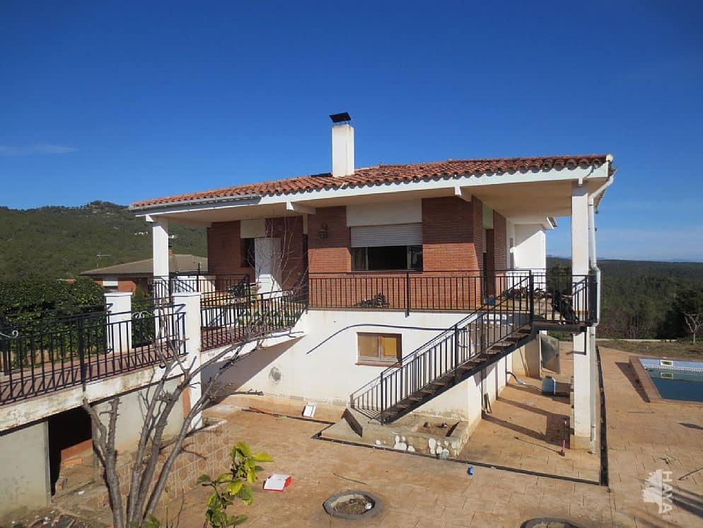 Casa en venta en Torrelles de Foix, Barcelona, Avenida Can Coral, 198.198 €, 4 habitaciones, 1 baño, 305 m2