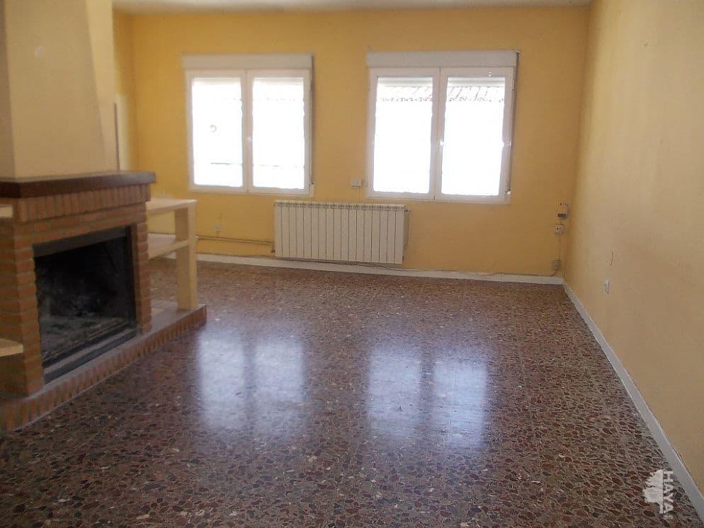 Piso en venta en Cazorla, Jaén, Calle Alcaldesa Emilia Higueras, 75.400 €, 4 habitaciones, 1 baño, 114 m2