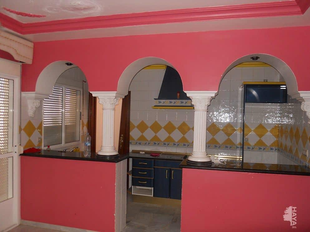Casa en venta en Morón de la Frontera, Sevilla, Calle Begonia, 75.000 €, 3 habitaciones, 1 baño, 167 m2