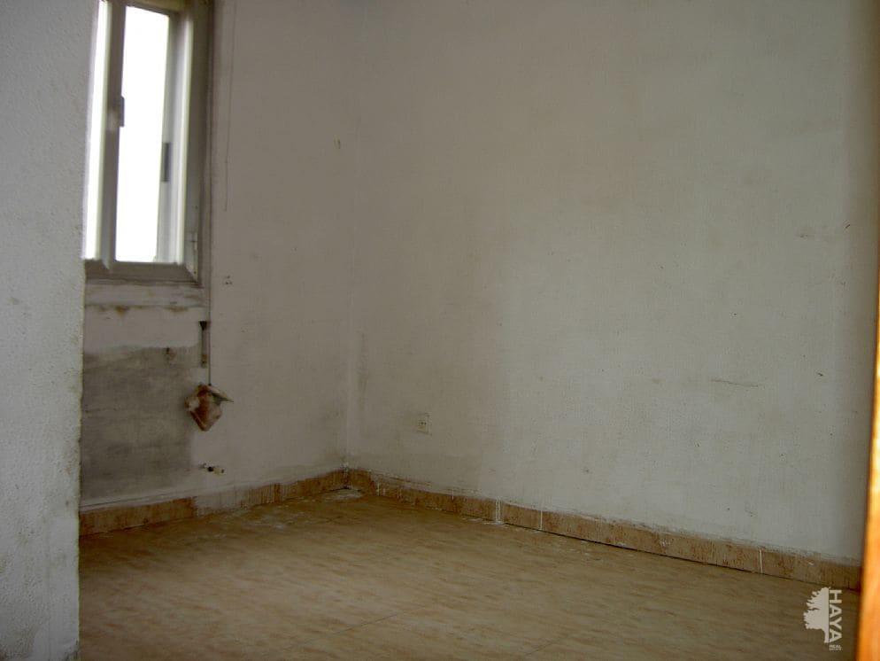 Piso en venta en El Cubo, Logroño, La Rioja, Calle Beratua, 36.000 €, 3 habitaciones, 1 baño, 88 m2