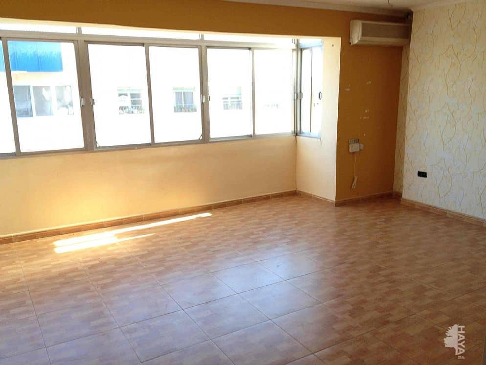 Piso en venta en 500 Viviendas, Almería, Almería, Calle Berja, 76.000 €, 5 habitaciones, 1 baño, 112 m2