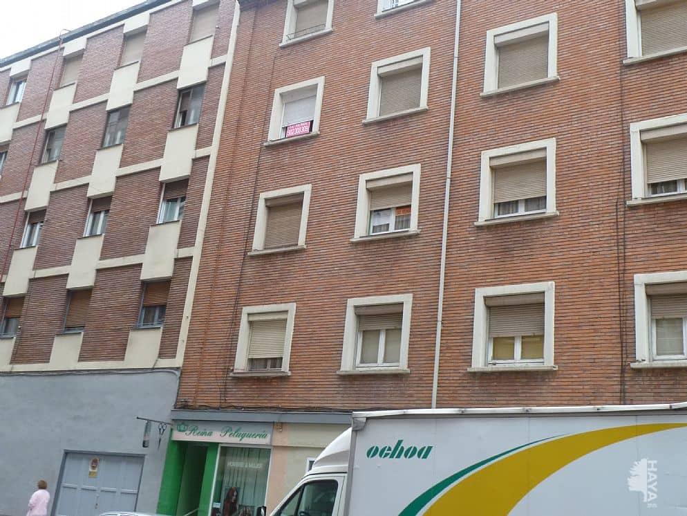 Piso en venta en Allende, Miranda de Ebro, Burgos, Calle Condado de Treviño, 66.700 €, 3 habitaciones, 1 baño, 77 m2
