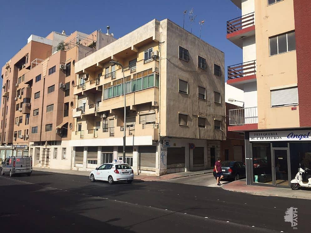 Piso en venta en Regiones Devastadas, Almería, Almería, Calle Maria Auxiliadora, 93.000 €, 4 habitaciones, 1 baño, 196 m2