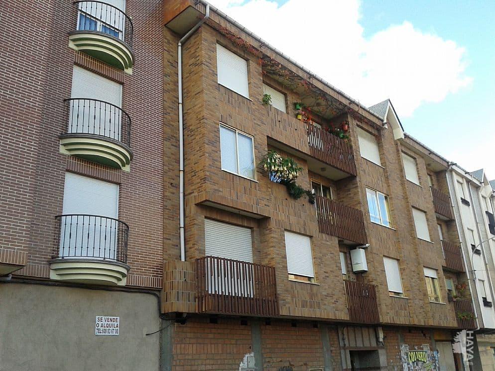 Piso en venta en Bembibre, León, Calle Rio Sil, 48.000 €, 3 habitaciones, 1 baño, 101 m2