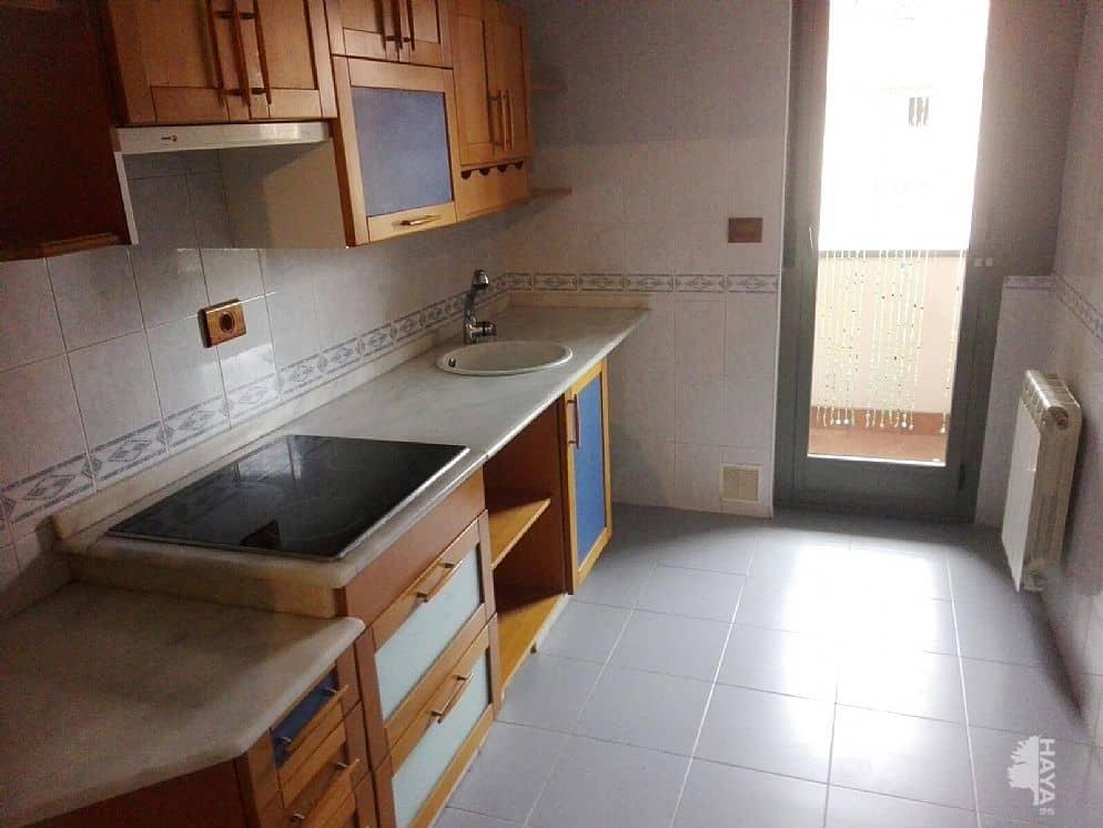 Piso en venta en Compostilla, Ponferrada, León, Calle Rosalia Castro, 190.000 €, 4 habitaciones, 1 baño, 205 m2