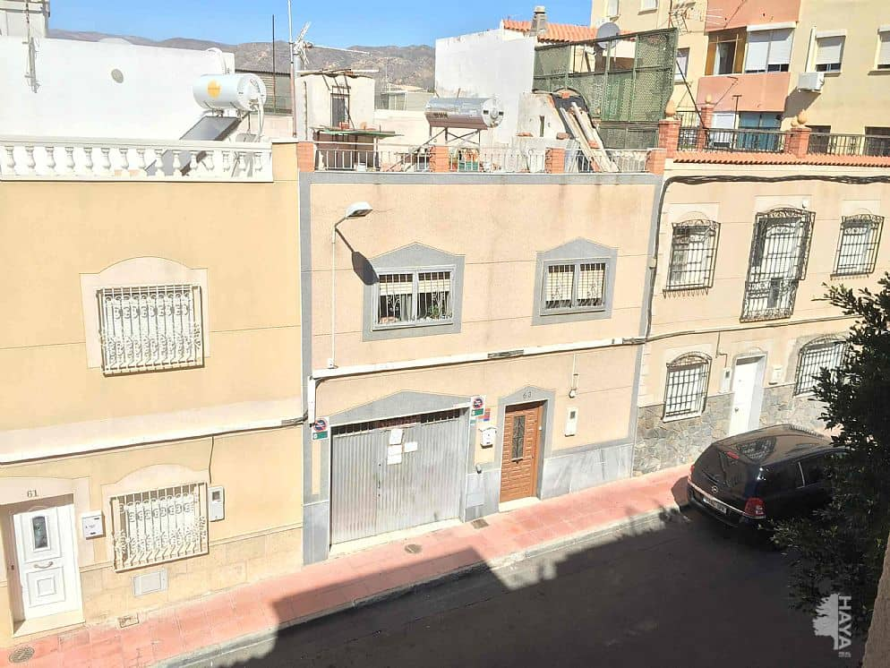 Piso en venta en San Luis, Almería, Almería, Calle Sierra Monteagud, 72.000 €, 2 habitaciones, 1 baño, 97 m2