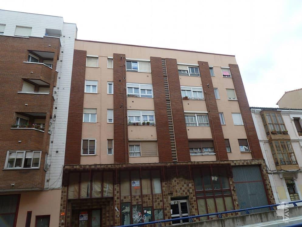 Piso en venta en Allende, Miranda de Ebro, Burgos, Calle Vitoria, 47.800 €, 3 habitaciones, 1 baño, 71 m2