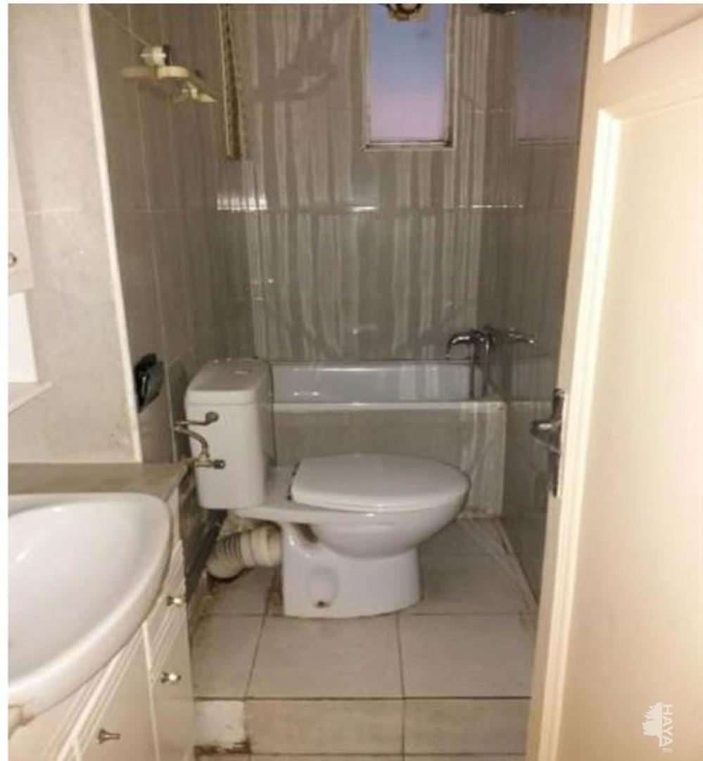 Piso en venta en L` Hospitalet de Llobregat, Barcelona, Calle Pujos, 79.191 €, 3 habitaciones, 1 baño, 61 m2